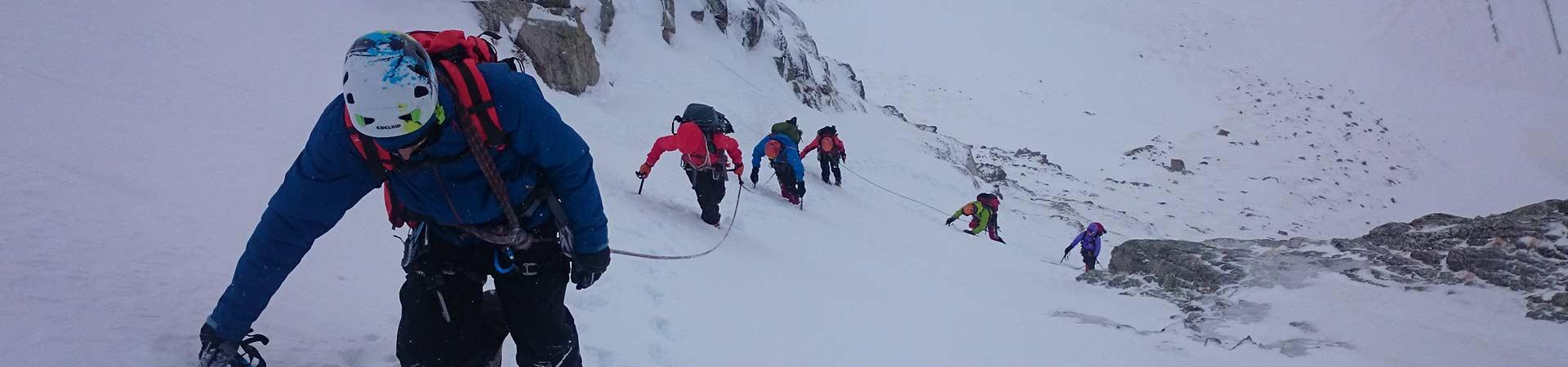 Curs-Alpinisme-Nivell-Mig-4-Dies